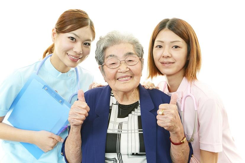 ヘルパー大募集、異業種からの転職者も多数活躍中!介護未経験者も積極的に採用中です - ニコニコホームケア イメージ画像