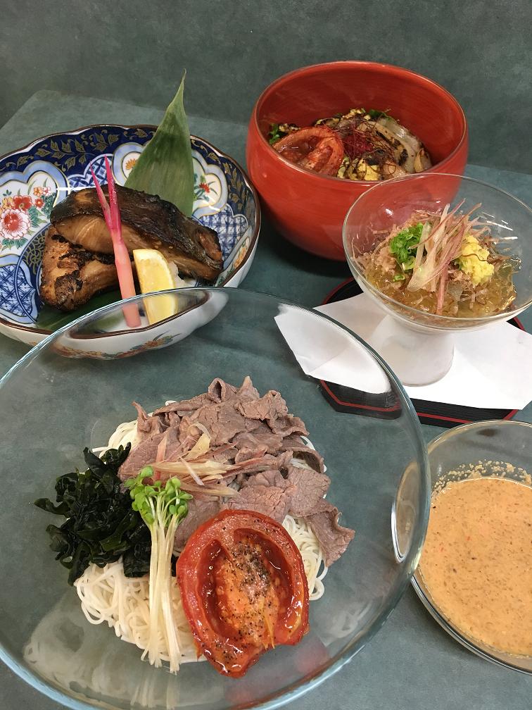 キャンベルリバーのレストランでクック大募集! - WASABIYA Japanese Sushi Cafe イメージ画像
